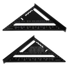 Trikampė liniuotė daugiafunkcis kampainis